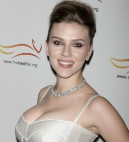 scarlettjohansson redcarpet dress 02